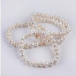 Zdjęcie - Bransoletka z pereł białych na gumce