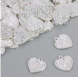Zdjęcie - Zawieszka serduszko z kwiatkami w kolorze srebrnym