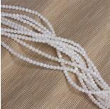 Zdjęcie - Kulka z białej muszli barwionej biała