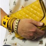Zdjęcie - Żółta bransoletka duże piramidki na wężowej skórce