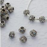 Zdjęcie - Koralik w srebrnym kolorze z kryształkami crystal AB